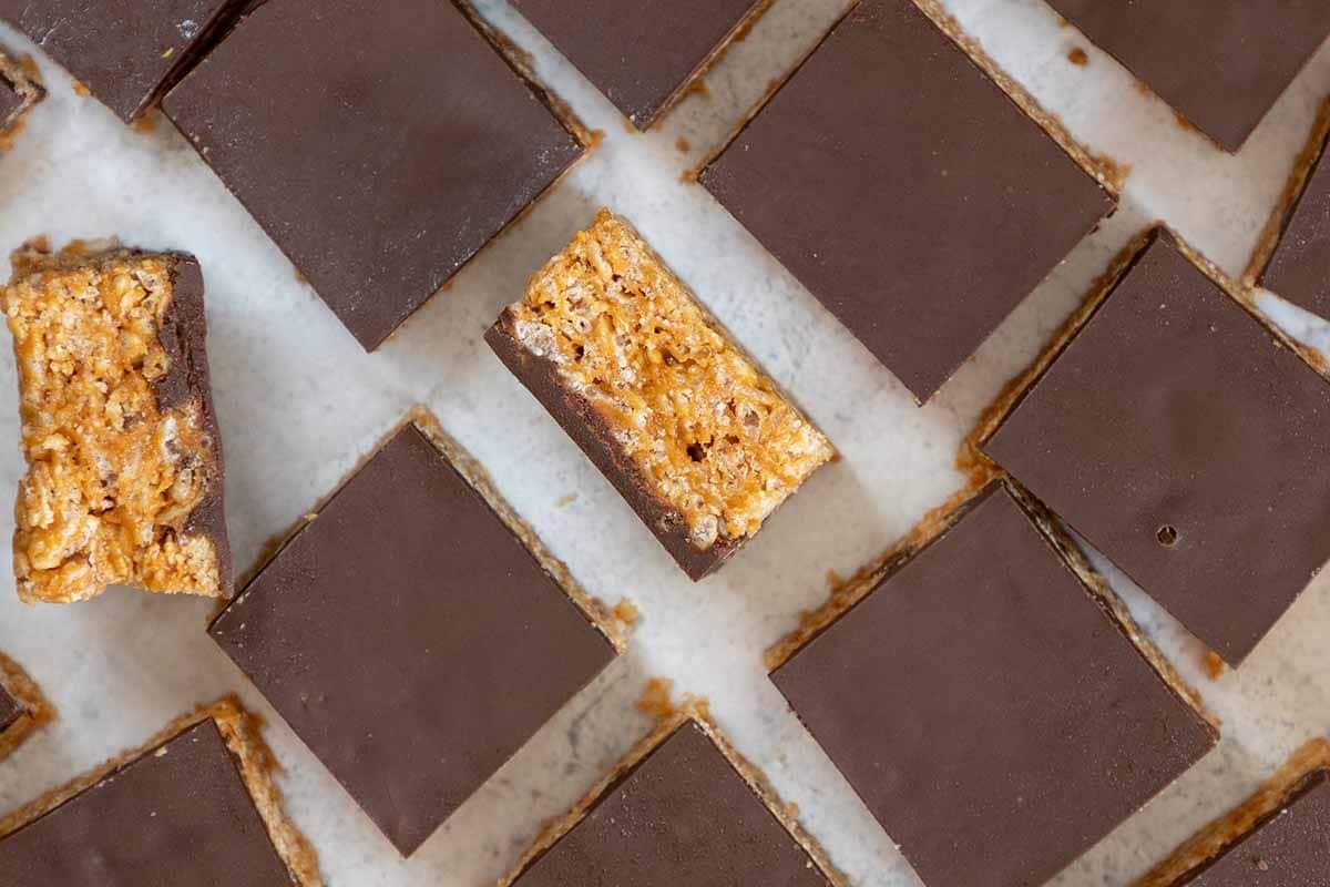 חטיף פצפוצי אורז חמאת בוטנים ושוקולד